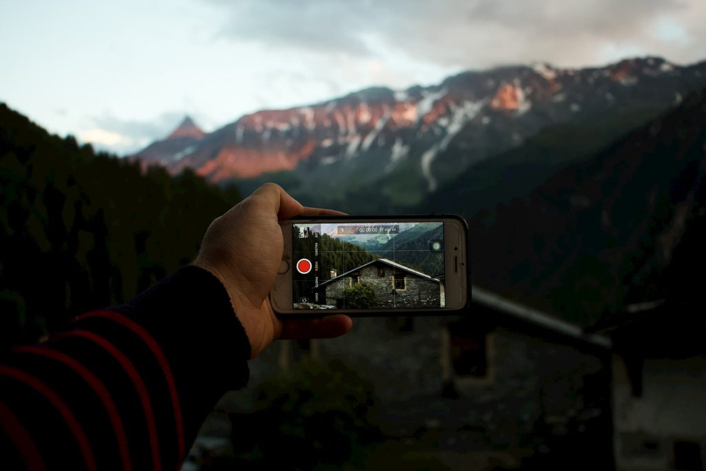 iphone filmmaking shooting mountain house